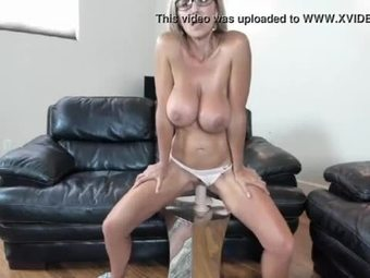 Sexy big tits milf who like to have a fun