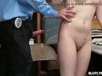 Sexy hottie bobbi dylan taking on a large dick