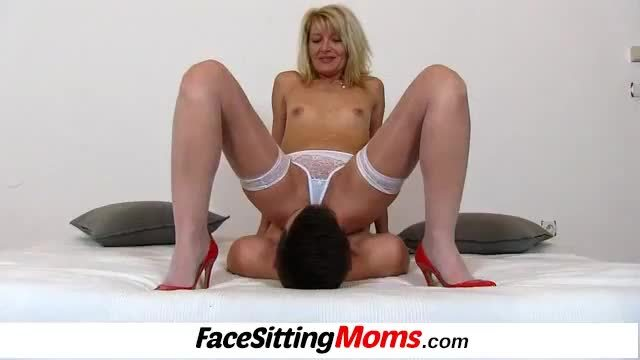 Hot amateur wife ivona stockings and cunt licking